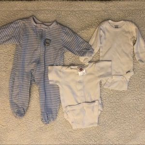 Other - 👶🏼0-3 month Baby Onesie Lot👶🏼